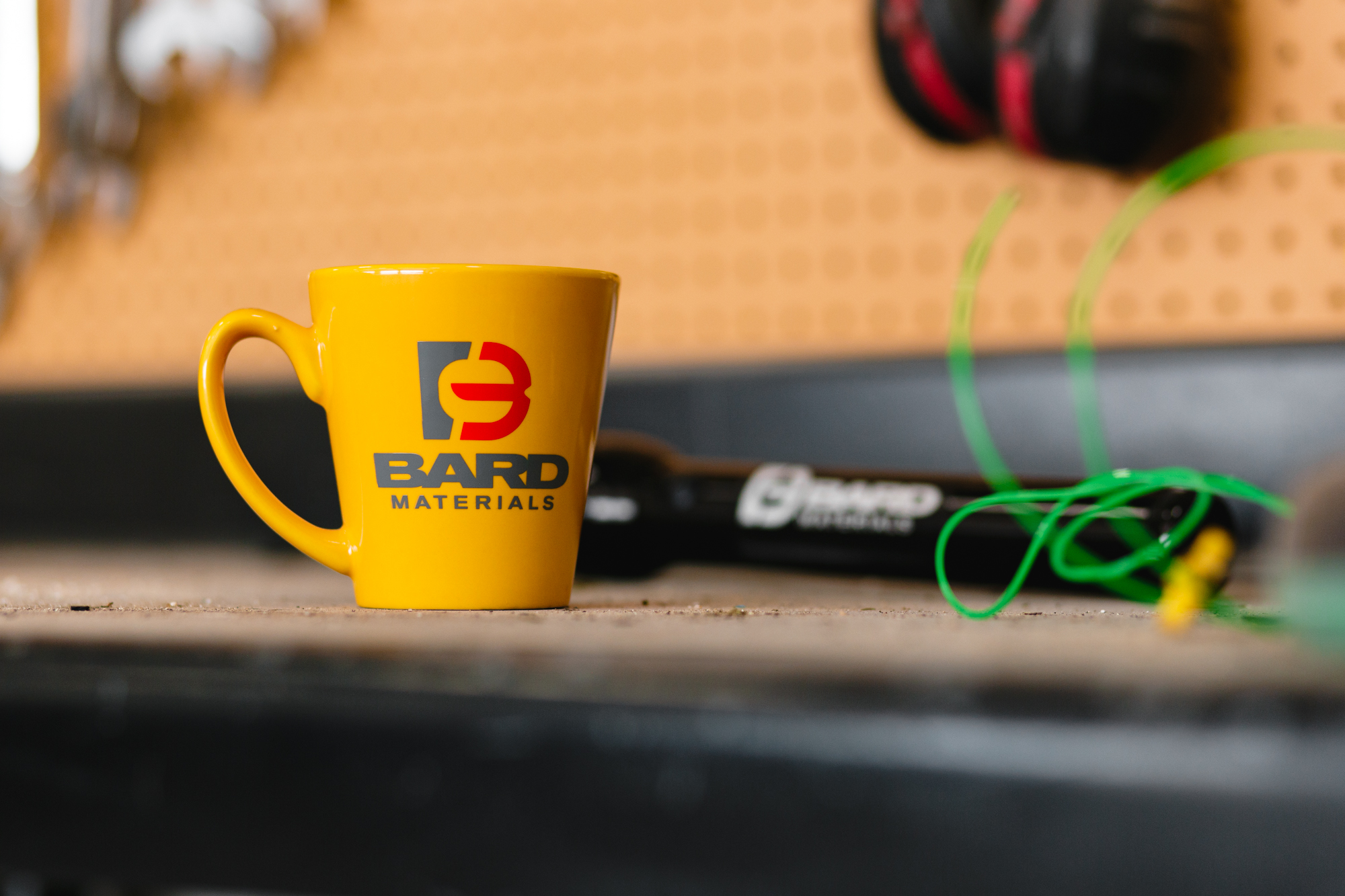 BARD COFFEE MUG, Yellow