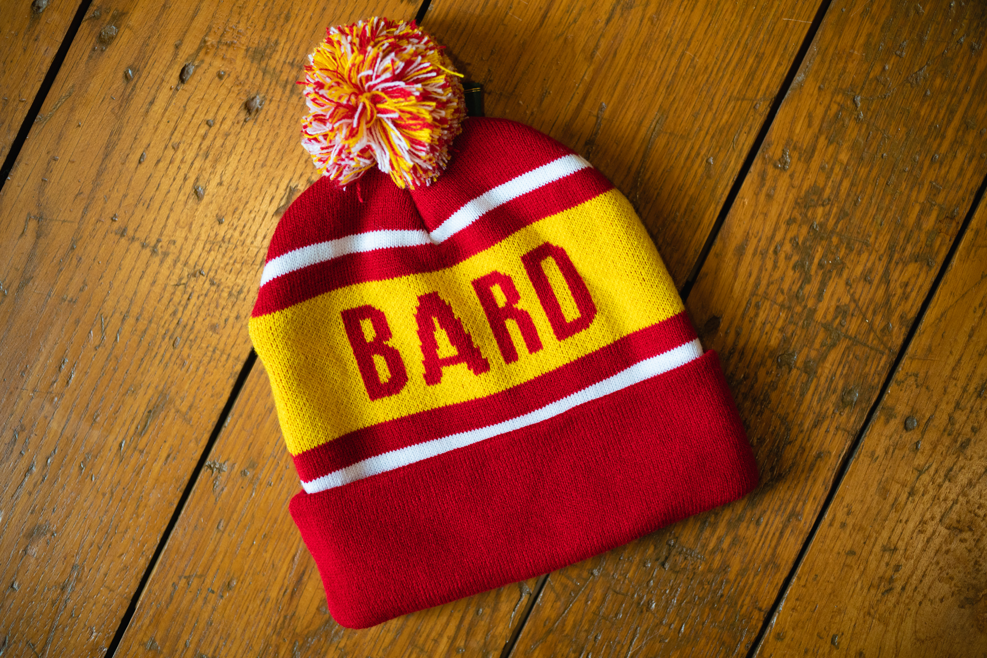 BARD BEANIE, Red/Yellow
