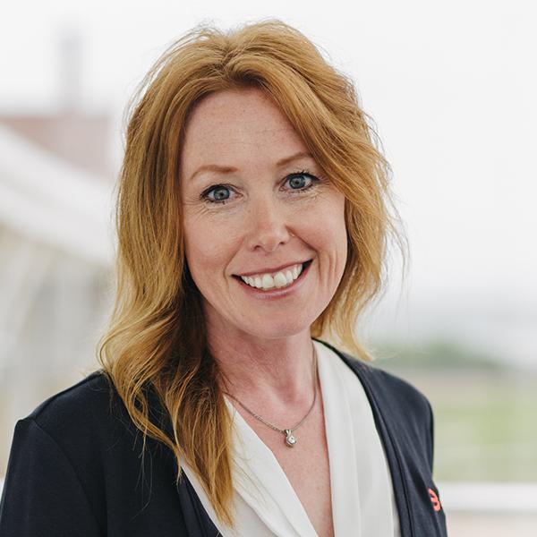 Headshot of Lynn Schmitz who works at BARD Materials
